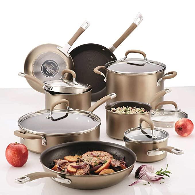 Matériel de cuisson performante : une batterie de cuisine toute en inox pour une qualité professionnelle.